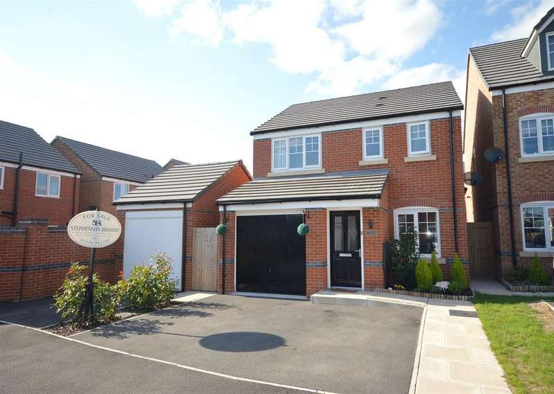 3 Bedrooms Detached House for sale in Redshank Place, Sandbach