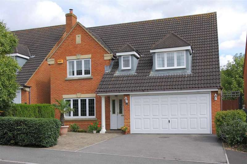 4 Bedrooms Detached House for sale in St. Swithin Way, Andover