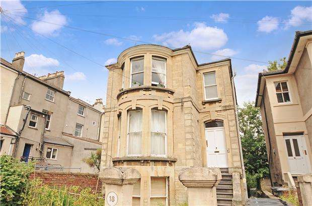 1 Bedroom Flat for sale in Kingsley Road, Cotham, BRISTOL, BS6 6AF