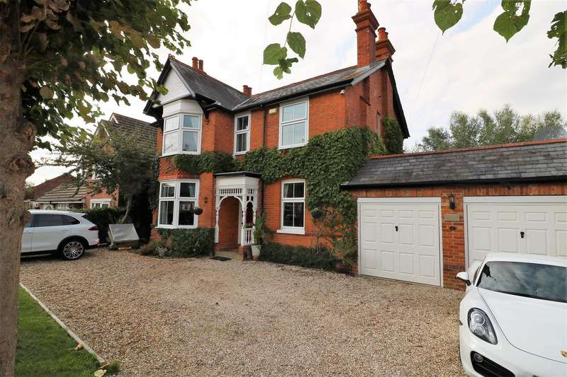 4 Bedrooms Detached House for sale in Victoria Road, Tilehurst, Reading