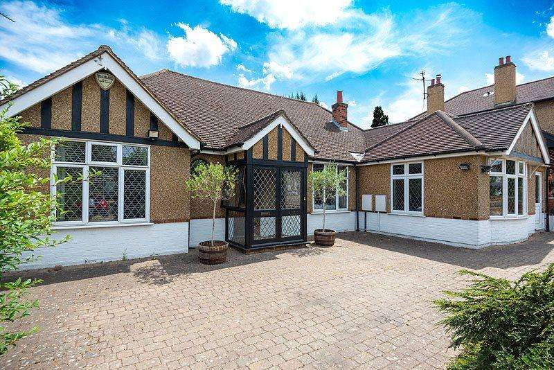 5 Bedrooms Detached House for sale in Sandridge Road, St. Albans, Hertfordshire