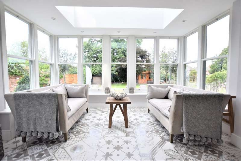 6 Bedrooms Semi Detached House for sale in Moseley Road, Cheadle Hulme