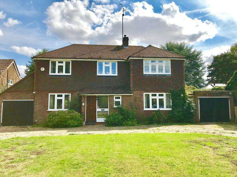 5 Bedrooms Detached House for sale in Cheverells Green, Markyate