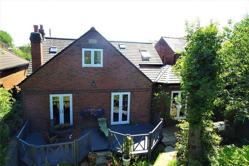 4 Bedrooms Detached House for sale in Whitehall Road East, Birkenshaw, Bradford, BD11