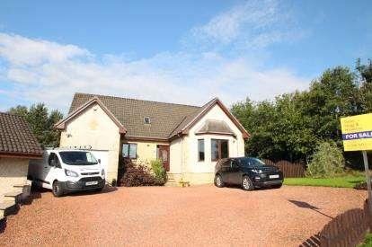 5 Bedrooms Bungalow for sale in Northfield Meadows, Longridge
