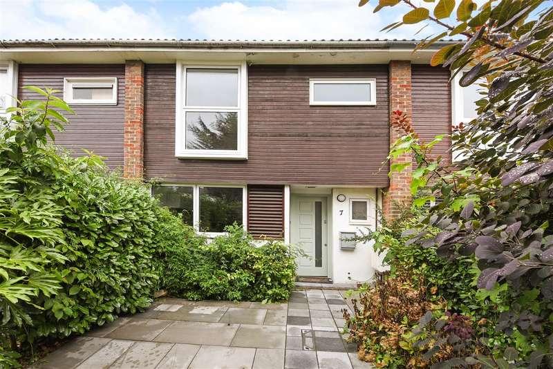 3 Bedrooms Terraced House for sale in Cambridge Close, West Wimbledon, West Wimbledon