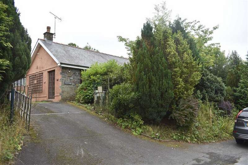 2 Bedrooms Detached Bungalow for sale in Cribyn, Lampeter