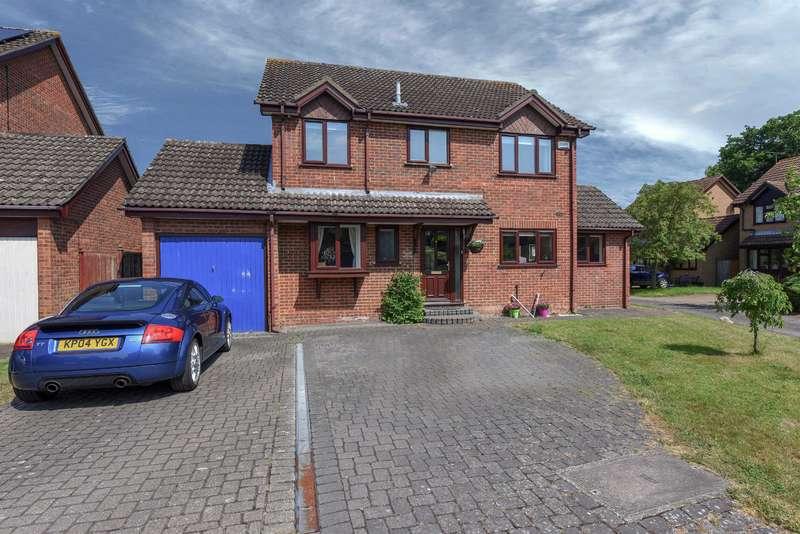 4 Bedrooms Detached House for sale in Arun Close, Winnersh, Wokingham, RG41