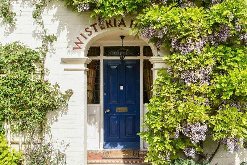 4 Bedrooms Detached House for sale in Romsey Road, Kings Somborne, Stockbridge, Hampshire, SO20
