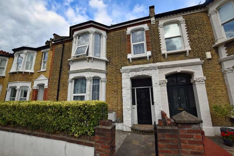 3 Bedrooms Terraced House for sale in Gordon Road, Wanstead
