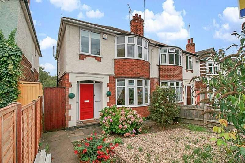 3 Bedrooms Semi Detached House for sale in Knighton Lane East, Knighton