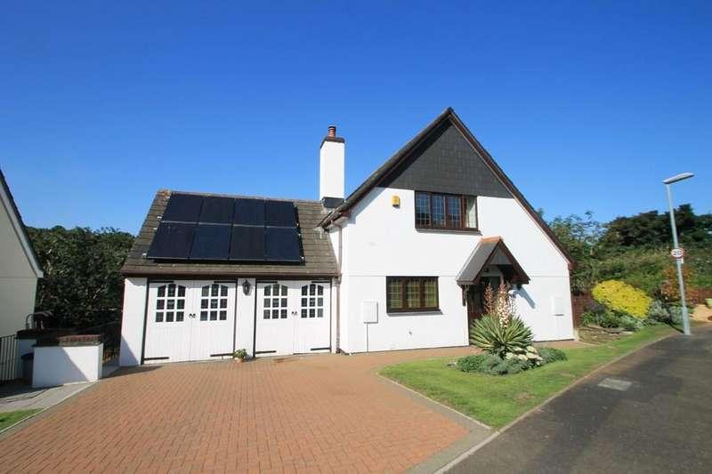 4 Bedrooms Detached House for sale in Two Hills Park, Latchbrook, Saltash