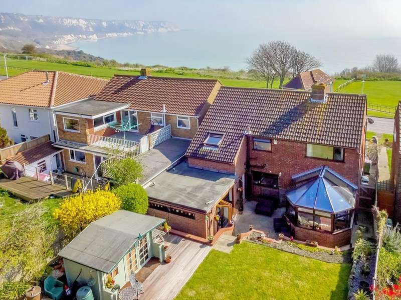 4 Bedrooms Detached House for sale in Wear Bay Road, Folkestone, CT19