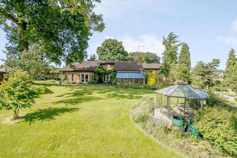 4 Bedrooms Detached Bungalow for sale in High Street, Flore, Northampton