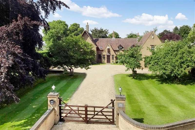 4 Bedrooms Detached House for sale in Clare House, Halse