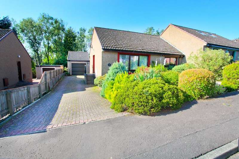 3 Bedrooms Semi Detached Bungalow for sale in Strathdon Park, Glenrothes