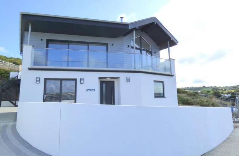 4 Bedrooms Property for sale in Ramoth Way, Perranporth