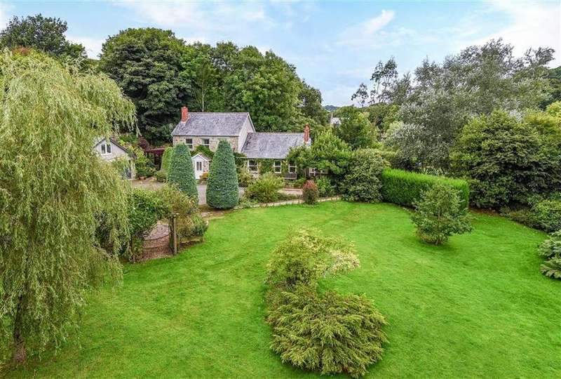 4 Bedrooms Detached House for sale in Ricketts Lane, Little Polgooth, St Austell, Cornwall, PL26