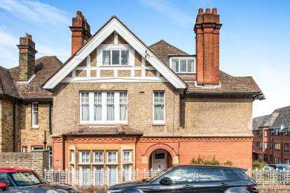5 Bedrooms Semi Detached House for sale in Cowper Road, Berkhamsted, Hertfordshire