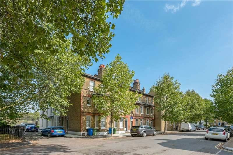 3 Bedrooms End Of Terrace House for sale in Addington Square, Camberwell, London, SE5