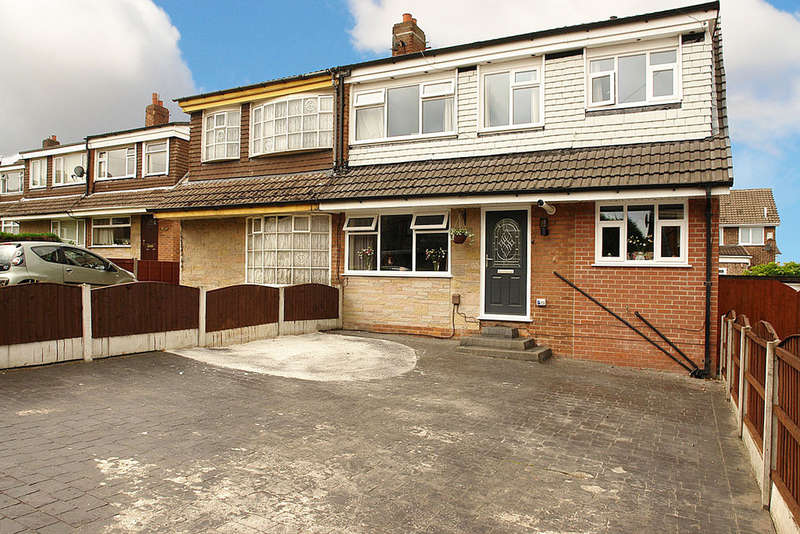 4 Bedrooms Semi Detached House for sale in Dawlish Avenue, Chadderton