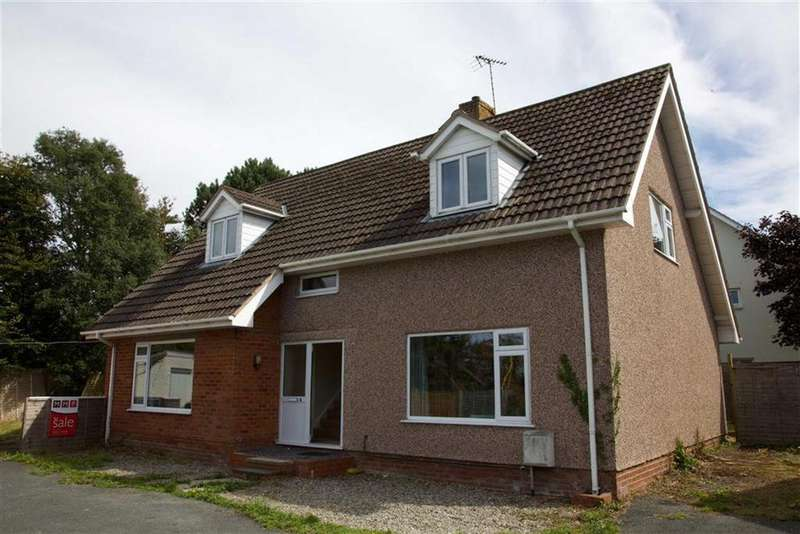 4 Bedrooms Detached House for sale in 4, Pendre Gardens, With Adjacent Development Land, Tywyn, LL36