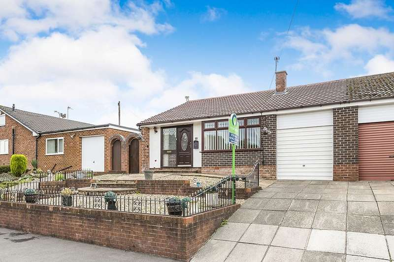 2 Bedrooms Semi Detached Bungalow for sale in Solway Close, Ashton-In-Makerfield, Wigan, WN4