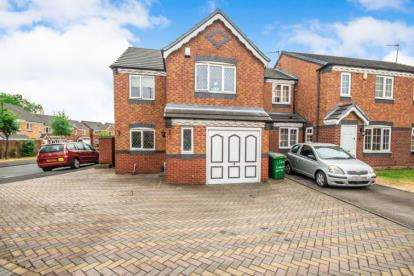 3 Bedrooms Detached House for sale in Conwy Close, Walsall, West Midlands