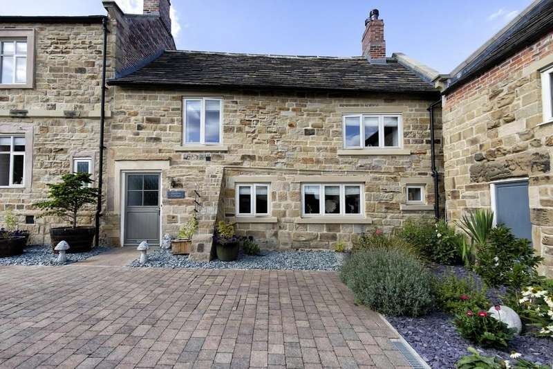 3 Bedrooms Semi Detached House for sale in Hanson Court, Normanton