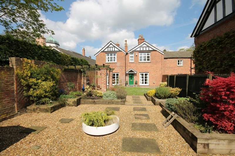 3 Bedrooms Cottage House for sale in Whatcroft Hall Lane, Whatcroft