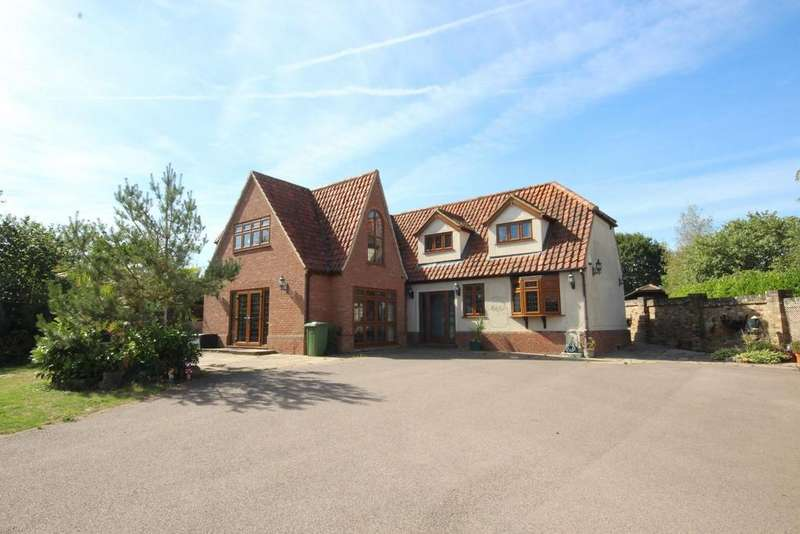 5 Bedrooms Detached House for sale in North Road, Havering-Atte-Bower, Romford