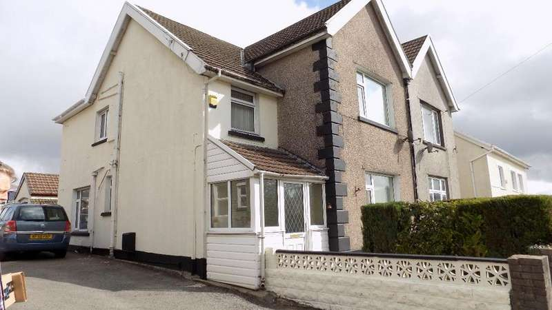 4 Bedrooms Semi Detached House for sale in Bailey Street, Brynmawr. NP23 4AH