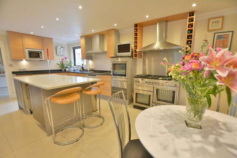 5 Bedrooms Detached House for sale in Roslin Gardens, Bournemouth