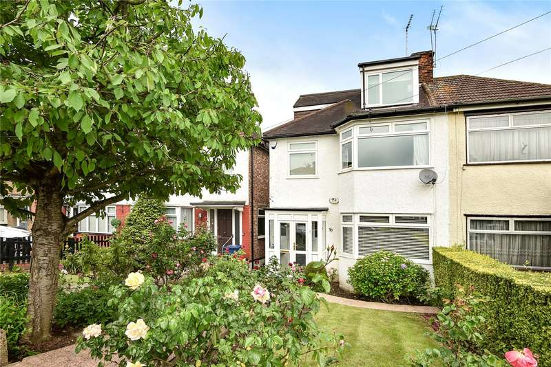 4 Bedrooms Semi Detached House for sale in Holyrood Road, New Barnet