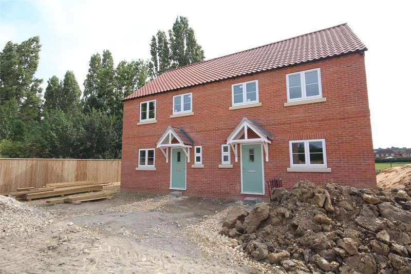 3 Bedrooms Semi Detached House for sale in Brant Road, Waddington, LN5