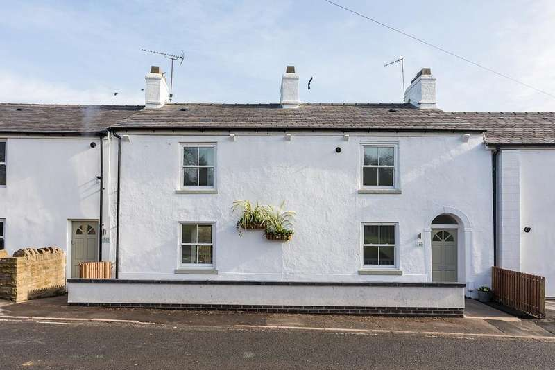 4 Bedrooms Terraced House for sale in Strines Road, Strines