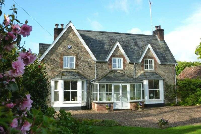 4 Bedrooms Detached House for sale in LOWER BROAD OAK ROAD, WEST HILL