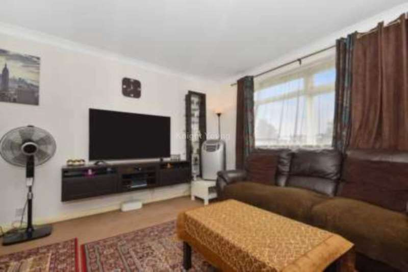 2 Bedrooms House for sale in Long Acre Court, Ealing