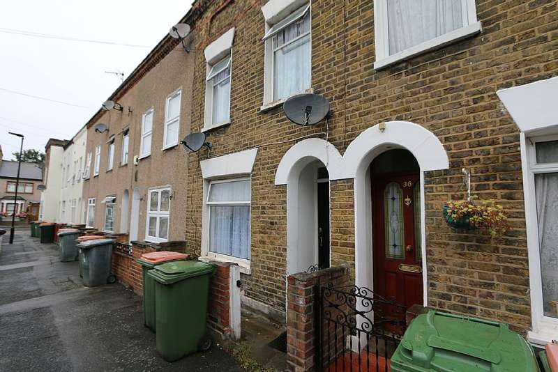 2 Bedrooms Terraced House for sale in Garfield Road, London, London, E13