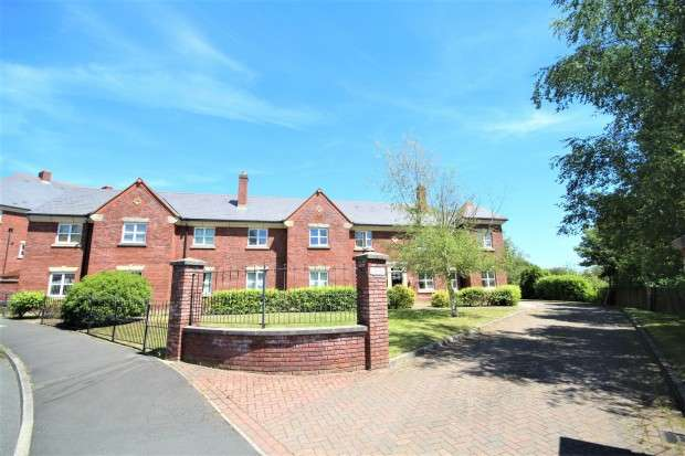 2 Bedrooms Apartment Flat for sale in Ladybank Avenue, Preston, PR2