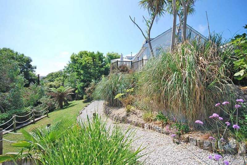 4 Bedrooms Detached House for sale in Portreath,Cornwall, TR16