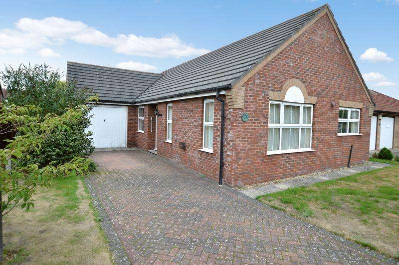 2 Bedrooms Detached Bungalow for sale in 15 Turnberry Drive, Woodhall Spa