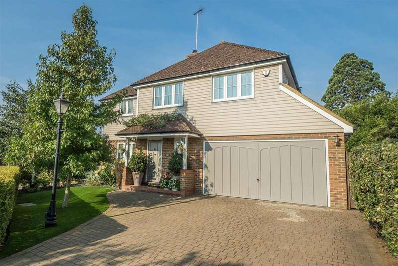 4 Bedrooms Detached House for sale in Manor Rise, Bearsted, Maidstone