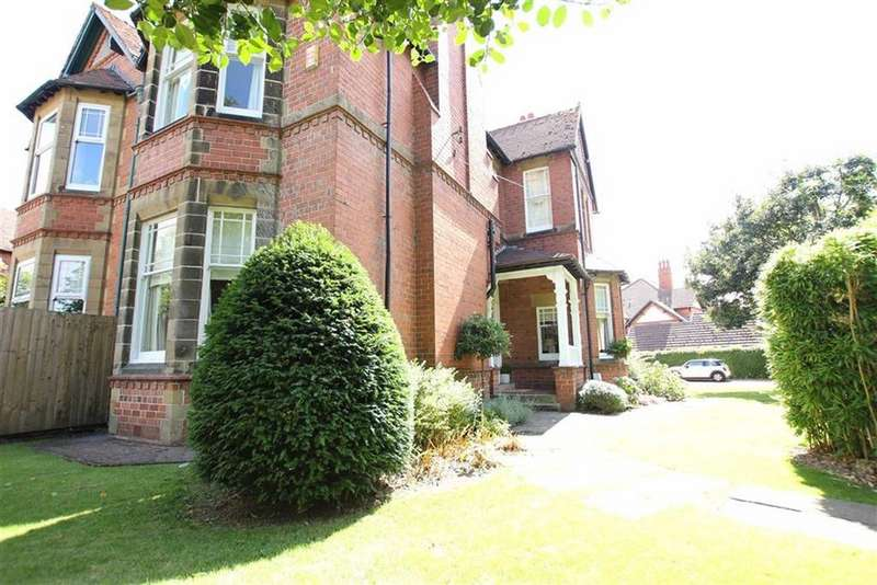4 Bedrooms Semi Detached House for sale in Cliveden Road, Chester