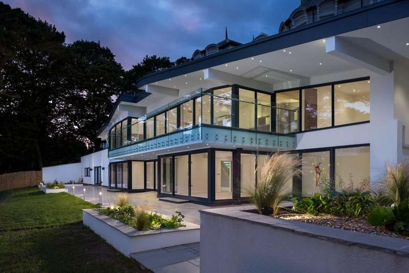 4 Bedrooms House for sale in Ocean Point, Holcombe Drive