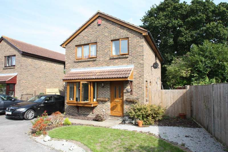 4 Bedrooms Detached House for sale in Woodward Close, Gosport PO12