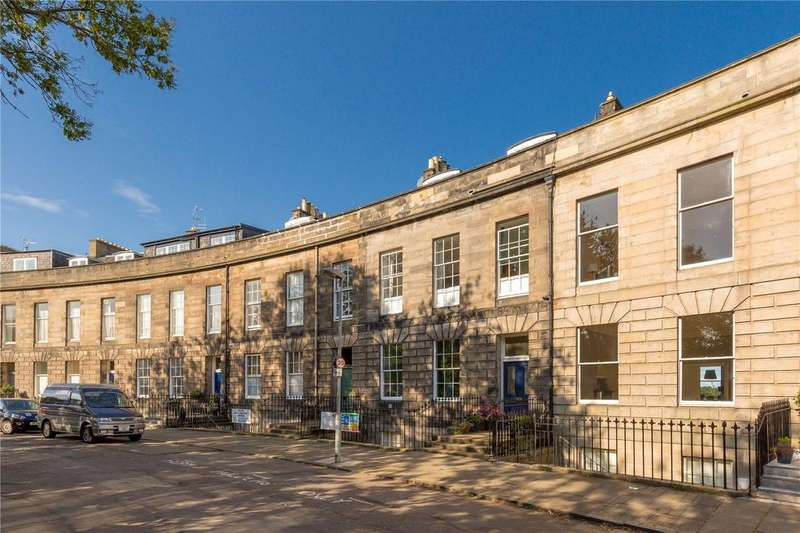 2 Bedrooms Flat for sale in 12/2 Claremont Crescent, New Town, Edinburgh, EH7
