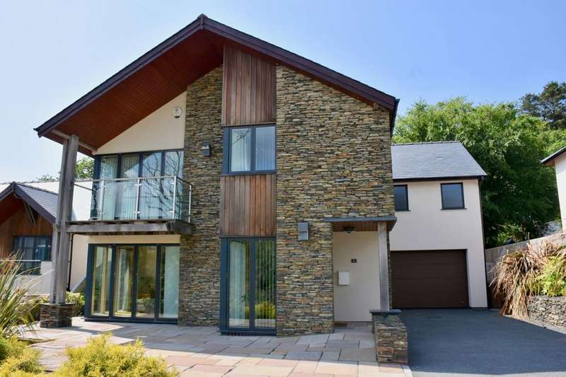 5 Bedrooms Detached House for sale in 2, Swn y Dail, Barmouth, LL42 1DT