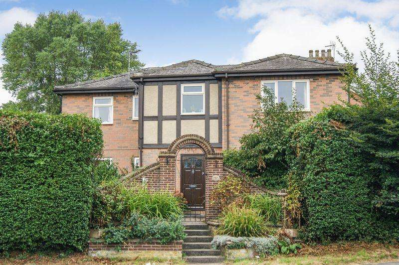 4 Bedrooms Detached House for sale in Barrowby Road, Grantham