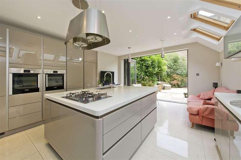 4 Bedrooms Terraced House for sale in Bloemfontein Avenue, Shepherd's Bush